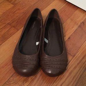NWOT Size 8.5 Brown xhilaration Flats